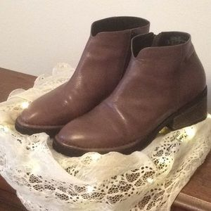 YUKO IMANISHI Leather Ankle Boots